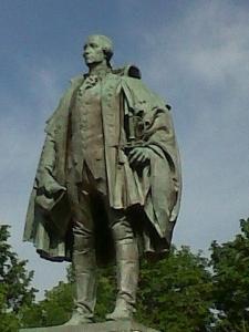 Statue of Edward Cornwallis, Halifax. Photo by HantsHeroes (http://commons.wikimedia.org/wiki/File%3ACornwallisStatueHalifaxNovaScotia.jpg)